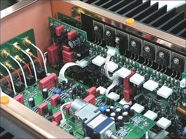 德颂v8i与v6i合并式功率放大器